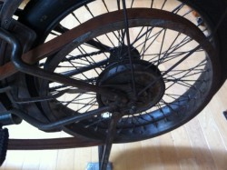 Rear wheel with belt drive. The chain is on the other side (driver's right)